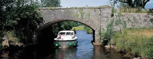 self drive canal boats Carrick-on-Shannon